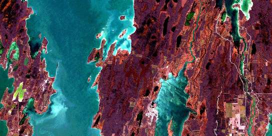 Skownan Satellite Map 062O13 at 1:50,000 scale - National Topographic System of Canada (NTS) - Orthophoto