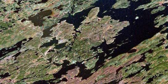 Nekweaga Bay Satellite Map 064E13 at 1:50,000 scale - National Topographic System of Canada (NTS) - Orthophoto