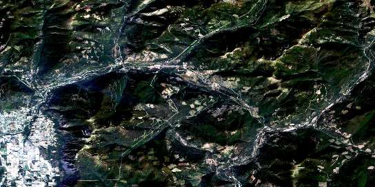 Yahk Satellite Map 082F01 at 1:50,000 scale - National Topographic System of Canada (NTS) - Orthophoto